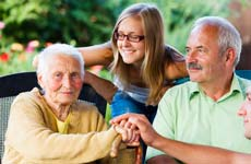 alzheimer-patient-with-family